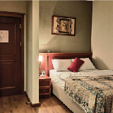 Guest Bedroom Is Available For Rent In 2Bhk Apartment - Indian Females Only!